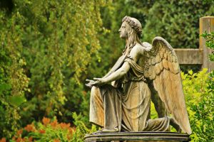 servizi cimiteriali statua tomba